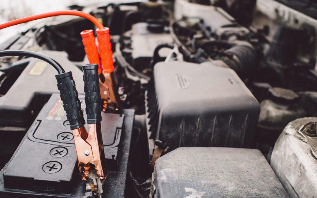 Autobatterie – Starthilfe geben