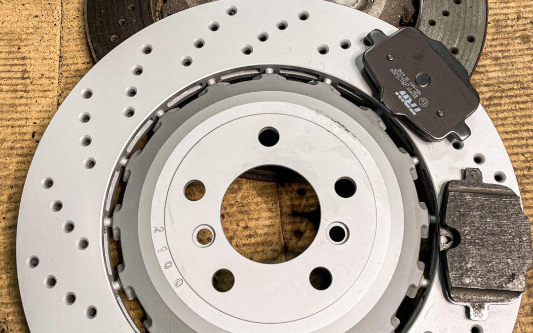 Bremsscheibe und Bremsbelege wechseln